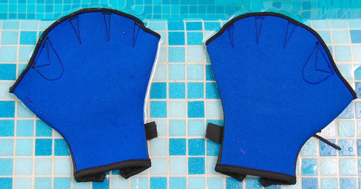 How to Choose the Right Swim Gloves