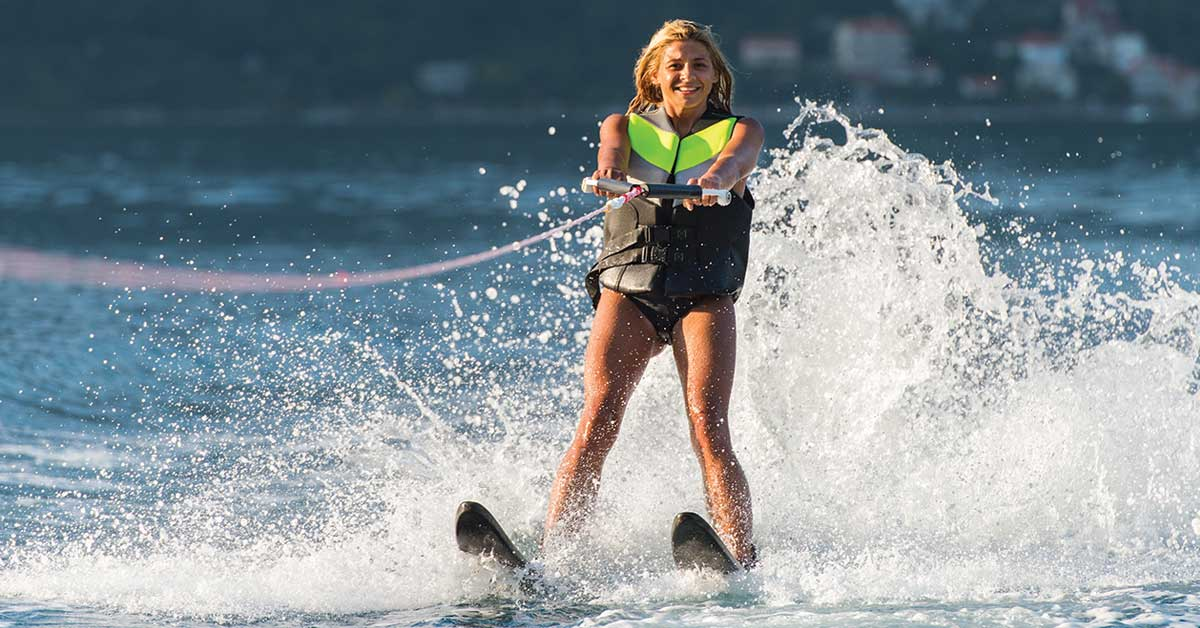 Essential Safety Tips for Beginner Water Skiers