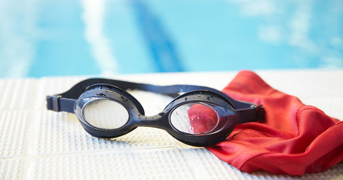 How to Prevent Your Goggles from Fogging Up While You Swim